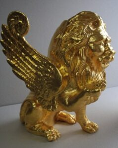 Outdoor gilding- 24ct gold iron casted lion
